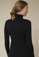 Basic Apparel Joline turtleneck