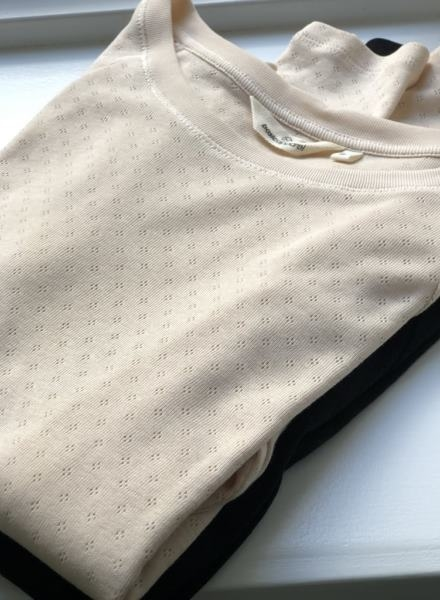 Basic Apparels bluser i sand dollar og sort