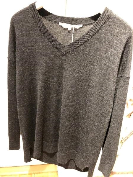 Uldsweater fra Basic Apparel m V-neck